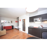 Modern, stylishly furnished studio right at the metro station