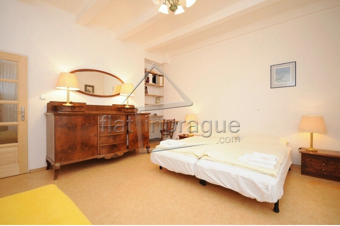 Very cozy and nice apartment in stylish yellow design