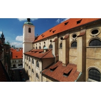 Spacious apartment in the historical centre of Prague in a building with elevato