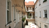 New modernly renovated apartment in the heart of old Prague  Týnská