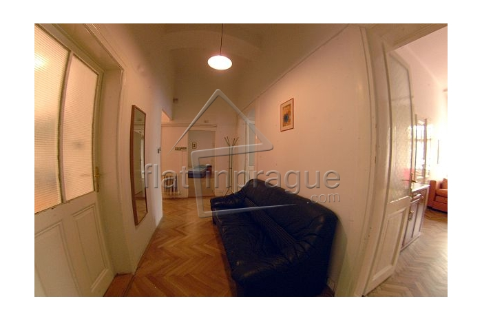 Very spacious apartment approx. 5 minutes from Old town square