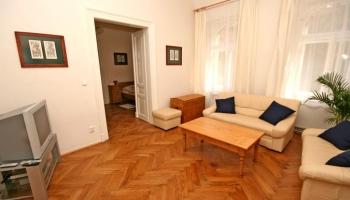 Gorgeous completely furnished apartment with 3 bedrooms