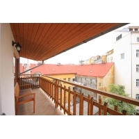 Beautiful duplex with fireplace and balcony in Prague 5