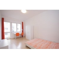 Lovely bright two bedroom apartment