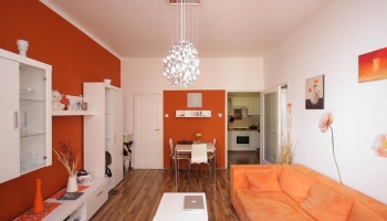 Nice, bright  apartment with balcony in the heart of the Old Town