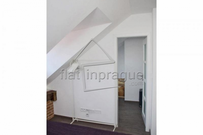 Beautiful attic air-conditioned apartment with terrace in Old Town