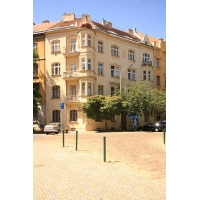 Beautiful bright apartment in a very attractive area of Prague 8 – Karlín