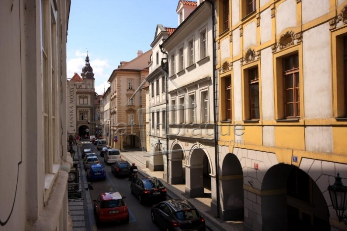 Beautiful apartment with large terrace on Malá Strana