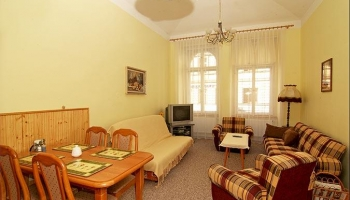 Nice apartment for up to five people in the district Újezd near Petřín park