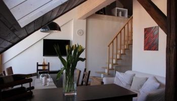Nice, furnished three room duplex apartment with terrace