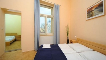 Spacious three bedroom apartment on the corner of the Old Town Square