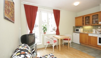 Beautiful, bright studio apartment with terrace in the heart of Prague