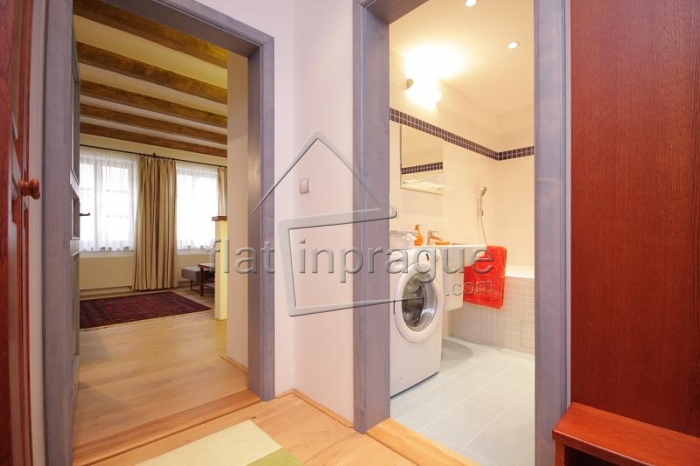 Nice and cozy studio in a quiet residence with CCTV