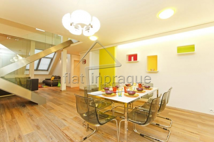 Beautiful luxury duplex with a fireplace in the heart of Prague