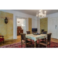 Beautiful historic apartment in Old Town